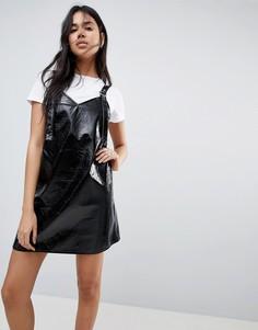 Платье-комбинация мини из искусственной кожи ASOS - Черный