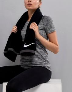 Большое полотенце Nike Fundamental - Черный