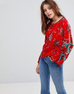 Топ с цветочным принтом и широкими рукавами на завязках Glamorous - Красный