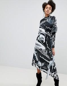 Платье асимметричной длины с длинными рукавами и принтом ASOS x Star Wars - Мульти