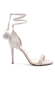 Босоножки на каблуке с открытым носком bryce - RAYE