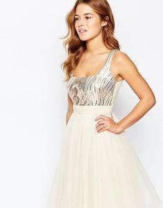 Платье для выпускного с отделкой пайетками Little Mistress Petite - Кремовый