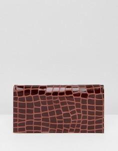 Кожаный кошелек с крокодиловым рисунком ASOS - Коричневый