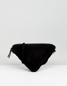 Треугольная замшевая сумка через плечо ASOS - Черный