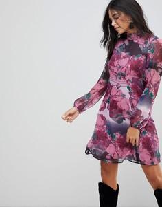 Расклешенное платье с принтом и оборкой на вороте Traffic People - Фиолетовый