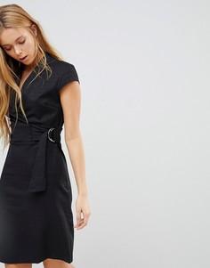 Фактурное платье с короткими рукавами, поясом и D-образной пряжкой Liquorish - Черный
