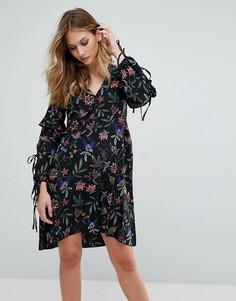 Платье с открытыми плечами и цветочным принтом Vero Moda - Черный