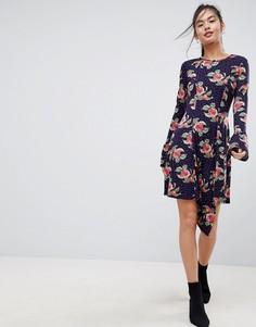 Платье мини в горошек с цветочным принтом и оборками на манжетах ASOS - Мульти