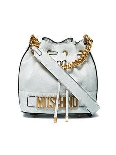 сумка в завязкой на шнурке и бляшкой с логотипом Moschino