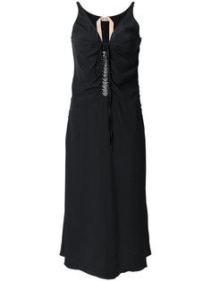 платье с заниженной талией и отделкой стразами  Nº21