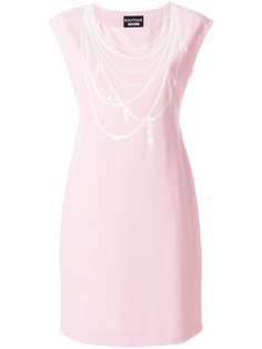платье с жемчужным ожерельем  Boutique Moschino