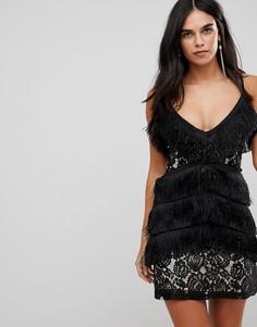 Кружевное платье мини на бретельках с кисточками Club L - Черный