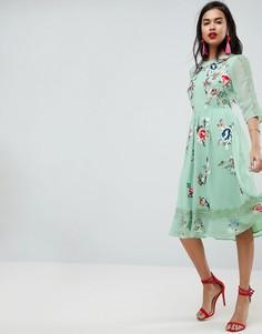 Приталенное платье миди с цветочной вышивкой ASOS PREMIUM - Зеленый