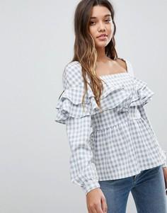 Блузка в клетку с баской и рюшами Fashion Union - Серый