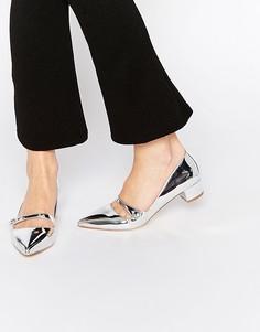Серебристые лакированные туфли на каблуке с ремешком Miss KG Audrina - Серебряный