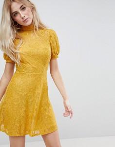 Кружевное платье мини с пышными рукавами ASOS - Желтый