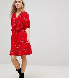 Чайное платье с оборками и цветочным принтом Vero Moda Petite - Красный