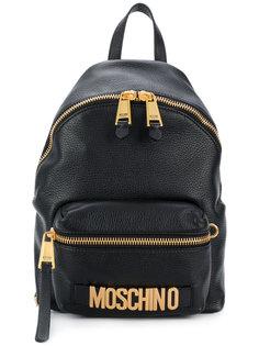рюкзак с бляшкой с логотиипом  Moschino