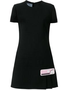 короткое платье А-образного силуэта с плиссированной деталью Prada