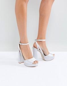 Серые атласные босоножки на каблуке и платформе Be Mine Bridal Katia - Серый