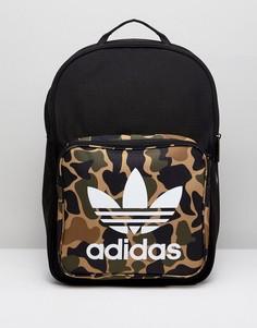 Рюкзак с камуфляжным принтом adidas Originals - Мульти