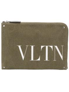 клатч с аббревиатурой бренда Valentino