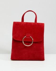 Замшевый мини-рюкзак с кольцом ASOS - Красный