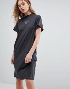 Платье с высоким воротом и квадратным логотипом Cheap Monday - Черный
