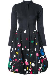 платье на пуговицах с брызгами краски  Oscar de la Renta