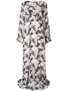 длинное платье с принтом пальм Pink Memories