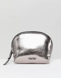 Косметичка с эффектом металлик Calvin Klein - Серебряный
