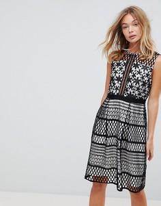 Ажурное приталенное платье Liquorish - Черный