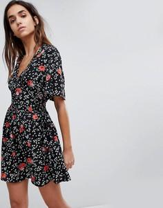 Приталенное платье с цветочным принтом Missguided - Черный