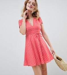 Чайное платье мини с цветочным принтом и поясом Glamorous Petite - Розовый