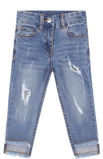 Зауженные джинсы с декоративными потертостями Monnalisa