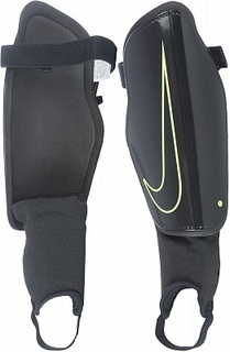Щитки футбольные Nike Charge