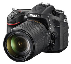 Зеркальный фотоаппарат NIKON D7200 kit ( 18-140mm f/3.5-5.6G VR), черный