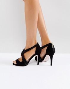 Босоножки на каблуке с перекрестными ремешками Miss KG - Черный