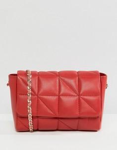 Кожаная стеганая сумка через плечо с ремешком-цепочкой ASOS - Красный