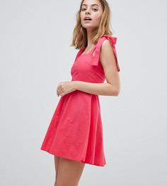 Короткое приталенное платье с завязками на плечах Vero Moda Petite - Розовый