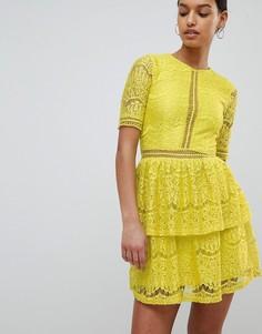 Ярусное кружевное платье мини Missguided - Желтый