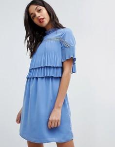 Короткое приталенное платье 2 в 1 с кружевными и плиссированными вставками Morgan - Фиолетовый