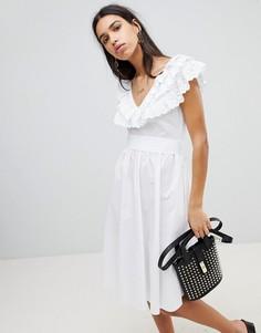 Приталенное платье со свободной юбкой и вышивкой ришелье Lost Ink - Белый