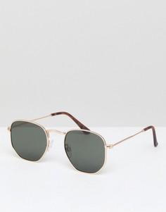 Солнцезащитные очки в золотистой оправе River Island - Золотой
