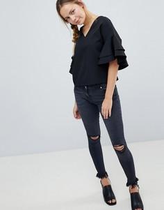 Рваные джинсы скинни с необработанными краями Parisian - Серый