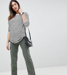 Брюки прямого кроя цвета светлого хаки с посадкой под животом и карманами ASOS DESIGN Maternity - Зеленый