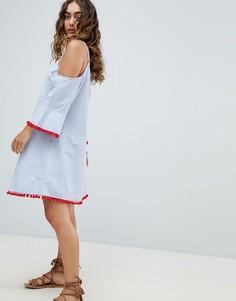 Пляжное платье из шамбре с открытыми плечами и расклешенными рукавами America & Beyond - Синий