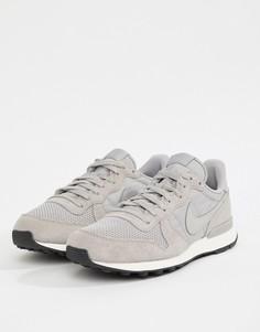 Серые кроссовки Nike Internationalist SE AJ2024-200 - Серый