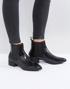 Полусапожки челси с крокодиловым узором и заостренным носком Monki - Черный