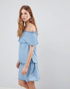 Ярусное джинсовое платье с открытыми плечами Vila - Синий